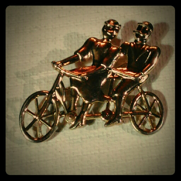 Jewelry - Couple riding a Tandem bike gold tone brooch/pin